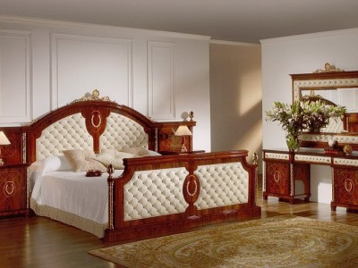 Exceptionnel ... Royal Furniture 13 ...